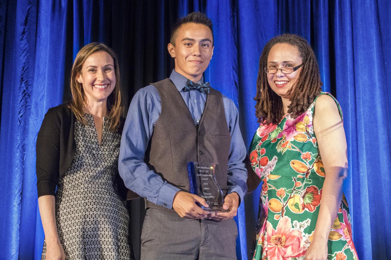 Efrain wins Carl Matthusen Leadership Award